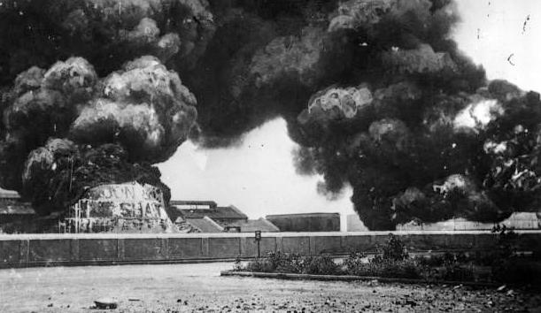 Bombardment_of_Madras_by_S.S._Emden_1914